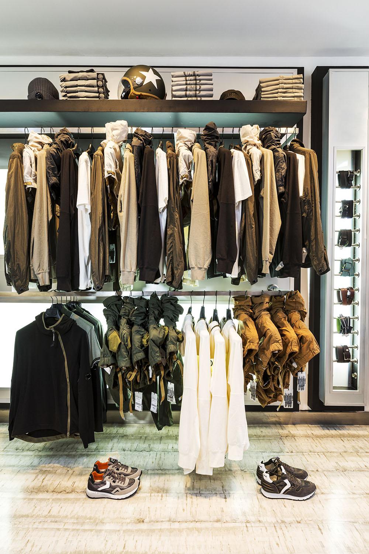 Interior tienda RENE JR en PSIII